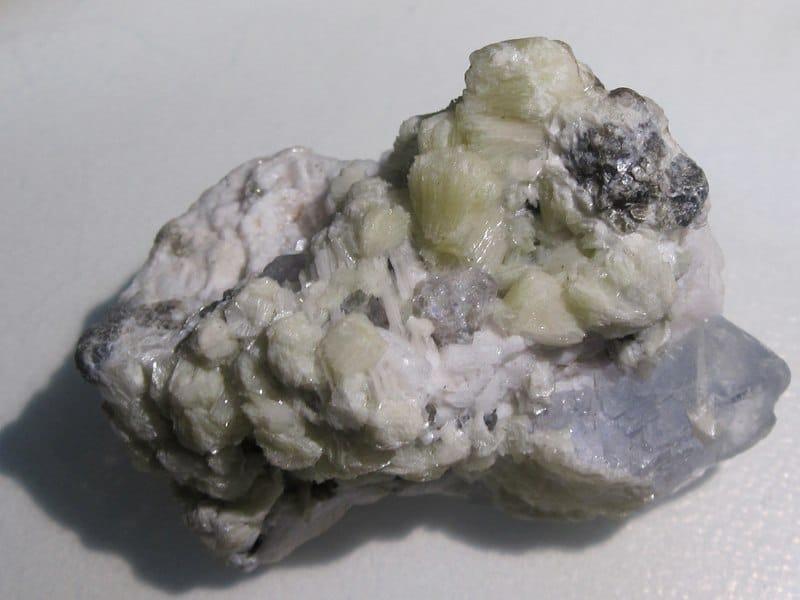 Bertrandite et fluorite, Akchatau Mine, Karaganda, Kazakhstan.