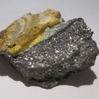 Antimoine, mine des Chalanches, Allemont, Oisans, Isère.
