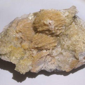 Baryte et Fluorite, Carrière de Cinq Coux, Thorignié, Deux-Sèvres.