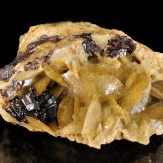 Bournonite, sphalérite et sidérite de la mine de La Mure en Isère.