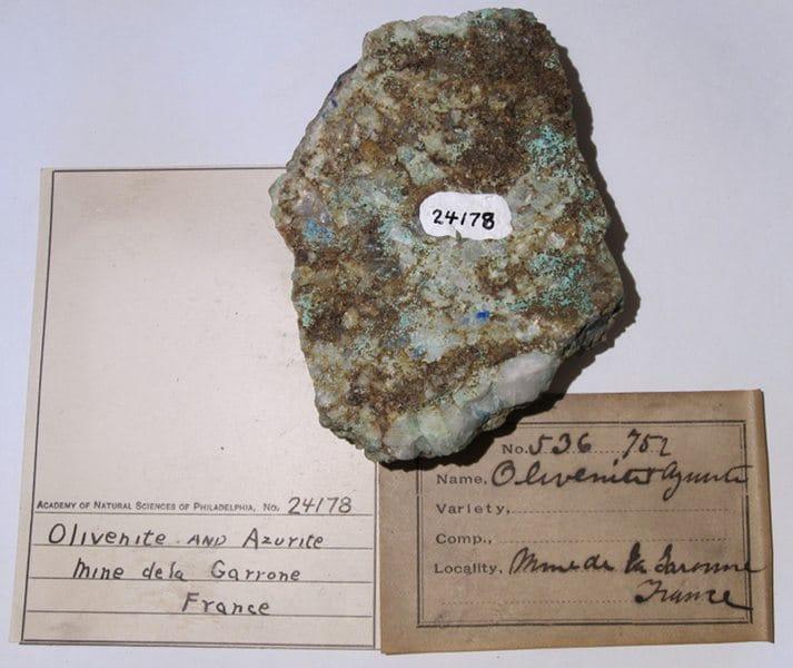 Olivénite et azurite, La Garonne, Le Pradet, Var.