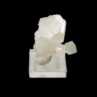 Cristal de fluorite sur baryte, mine de l'Avellan, Var, France.