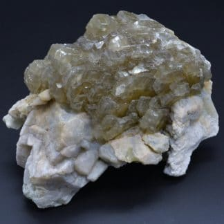 Barytine sur quartz, mine des Sausses, Chavaniac-Lafayette, Haute-Loire.