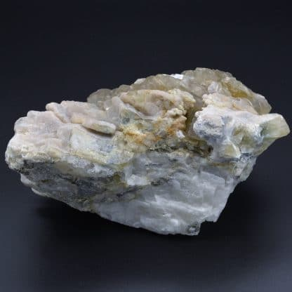 Barytine, quartz, Chavaniac, Haute-Loire, France.