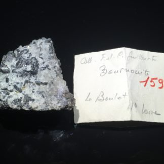 Bournonite dans fluorine, Le Barlet, Langeac, Haute-Loire.