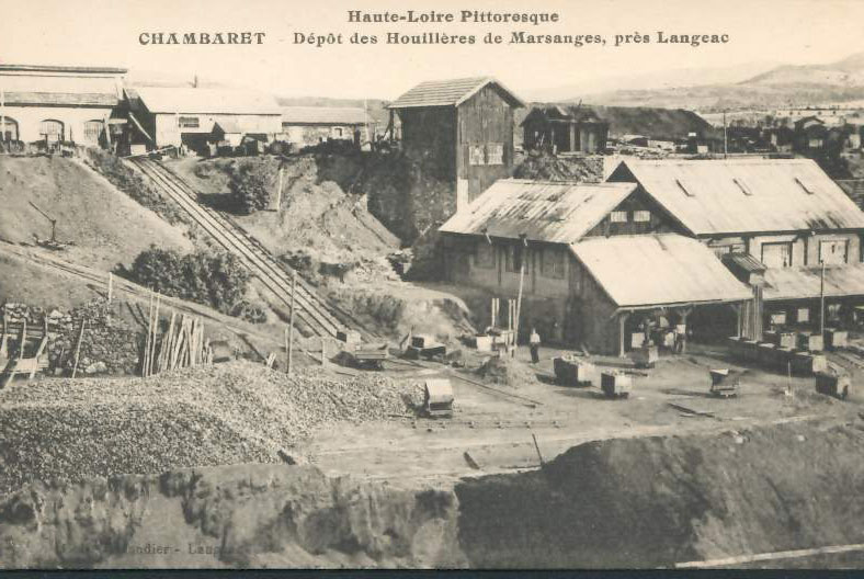 """Carte Postale ancienne (CPA) : """"Dépôt des Houillères de Marsanges près de Langeac""""."""