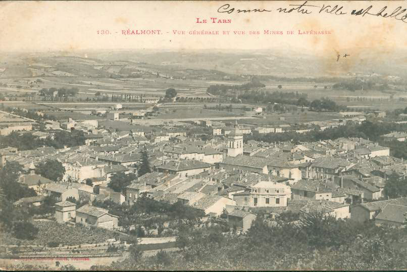 """Carte Postale Ancienne (CPA) : """"Réalmont, vue sur les mines de Lafénasse (Peyrebrune)""""."""