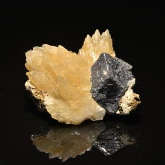 Calcite et Galène, mine de Planioles, Lot.