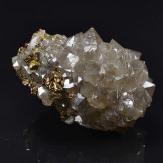 Chalcopyrite sur cristaux de Quartz fumé, Laguépie, Tarn-et-Garonne.