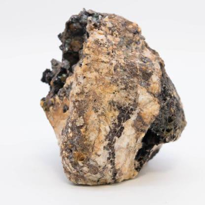 Cuprite, mine du Moulinal, Montroc, Tarn, Occitanie.