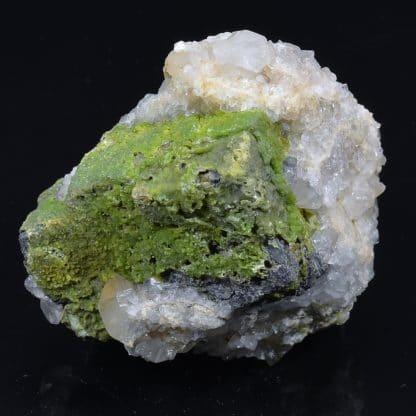 Pyromorphite et quartz sur galène, mine de L'Argentolle, Saône-et-Loire (Morvan).