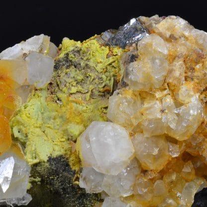 Wulfénite, pyromorphite, galène et quartz, L'Argentolle, Saône-et-Loire.