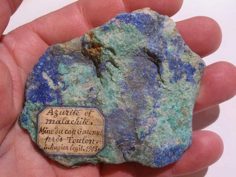 Azurite et malachite, ancien spécimen de la mine de cap Garonne, Var.