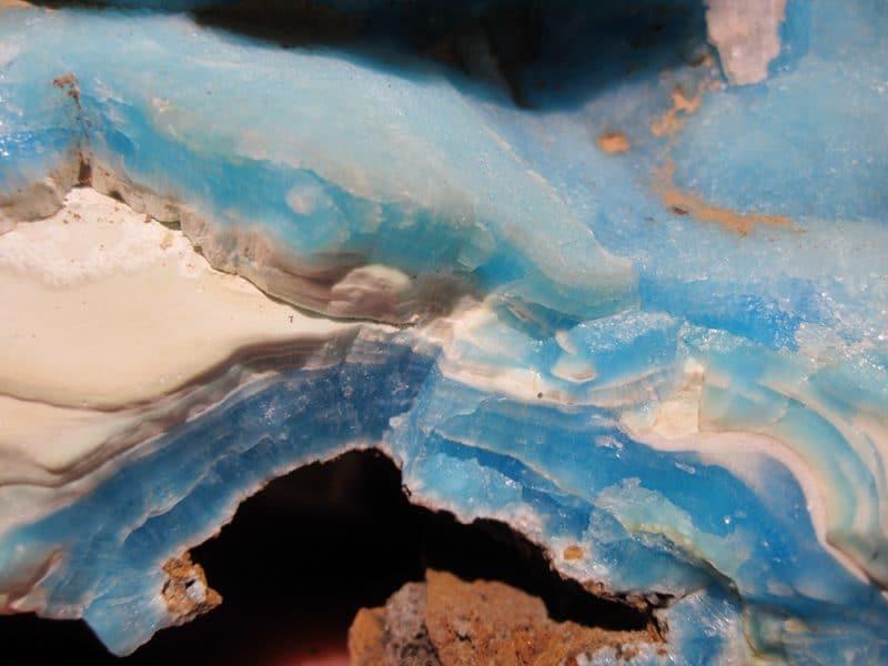 Hémimorphite bleue, Germs-sur-l'Oussouet, Hautes-Pyrénées.