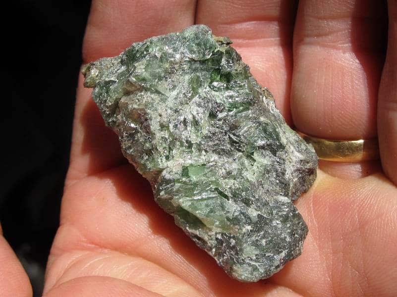 Ludlamite, mine de Salsigne, Mas Cabardès, Carcassonne, Aude.