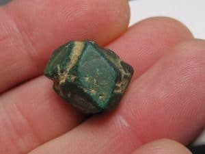Pseudomorphose de Cuprite en Malachite, mine de Chessy, Rhône.