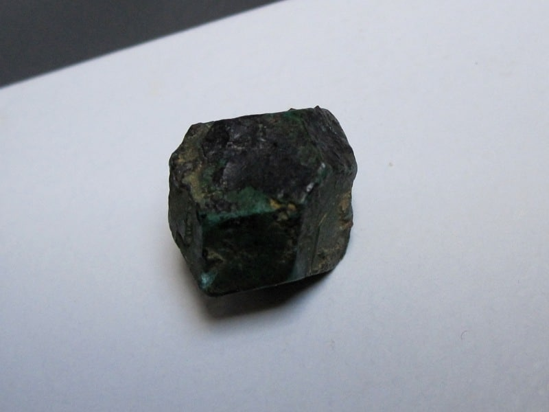 Pseudomorphose de cuprite en azurite puis malachite, mine de Chessy.