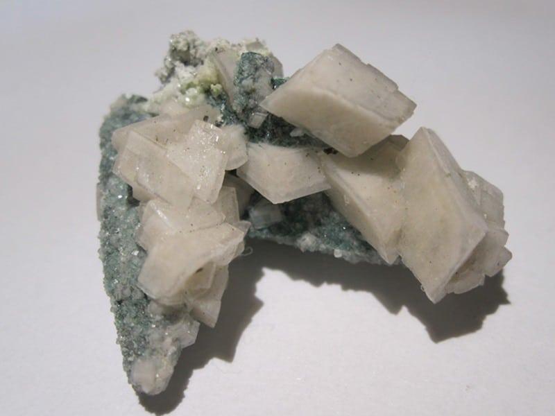 Malachite et dolomite, Tsumeb, Namibie.