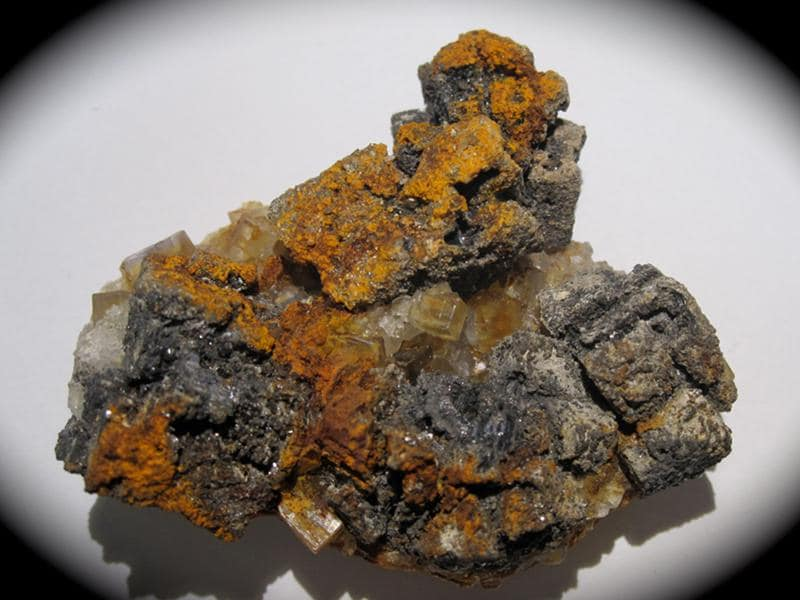 Galène et Fluorine, mine de Versilhac, Haute-Loire.