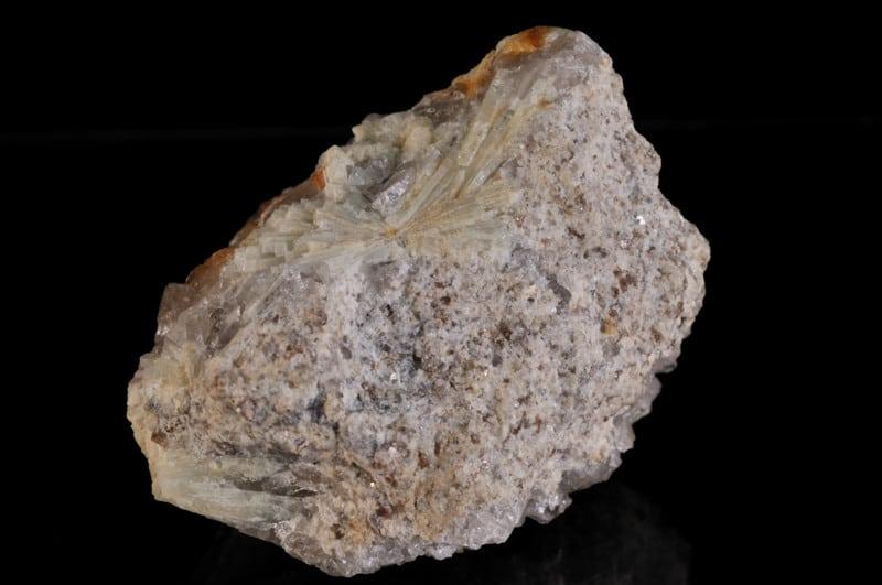 Gerbe de cristaux de béryl du Ménez Goaillou, Coray, Finistère.