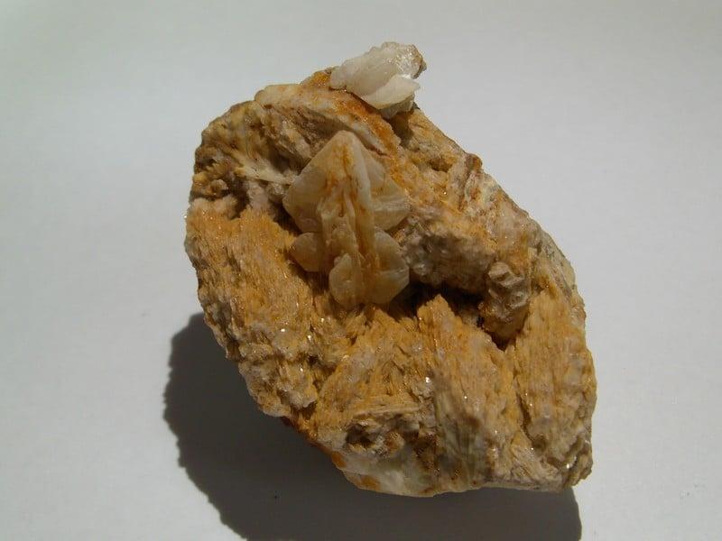 Cérusite de la mine de Chaillac (Indre).