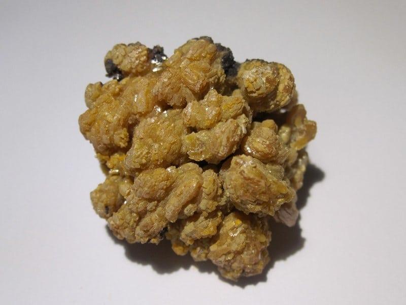 Pyromorphite beige de la mine des Farges, près Ussel, Corrèze.