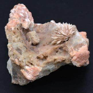 Galène pseudomorphosée en mimétite sur barytine, Lantignié, Rhône.