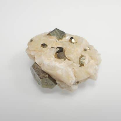 Pyrite et dolomite, mine de Saint-Pierre-de-Mésage, Isère.