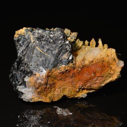 Tétraédrite et dolomite, mine de Jouchy, Saint-Pierre-de-Mésage, Isère.