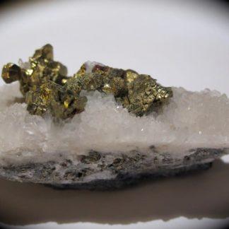Chalcopyrite, mine de Montroc, Tarn.