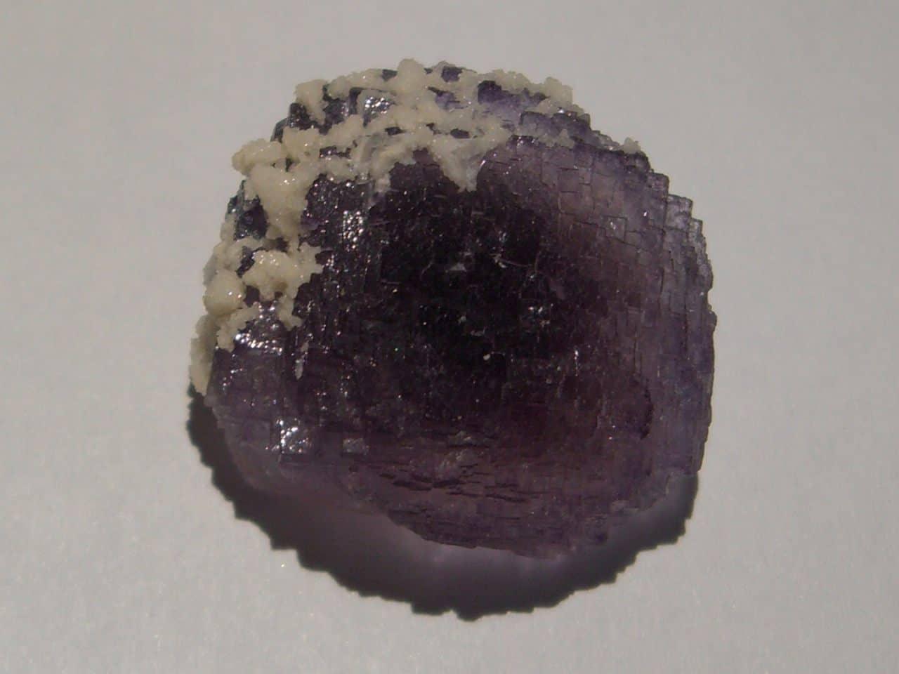 Fluorine violette de la mine de Fontsante (Var).