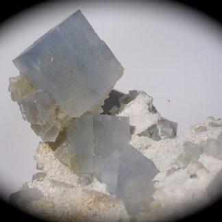 Fluorine de la mine du Beix, située près de Bourg-Lastic, dans le Puy-de-Dôme, France.