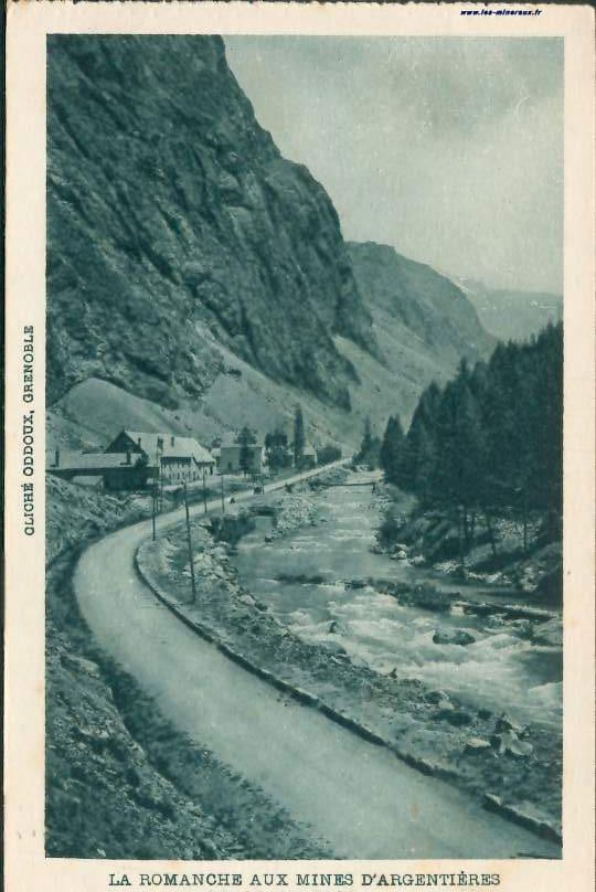 """Une carte postale ancienne (CPA), """"La Romanche aux mines d'Argentières (mine du Grand-Clos)"""", exploitation de galène pour le plomb et l'argent."""