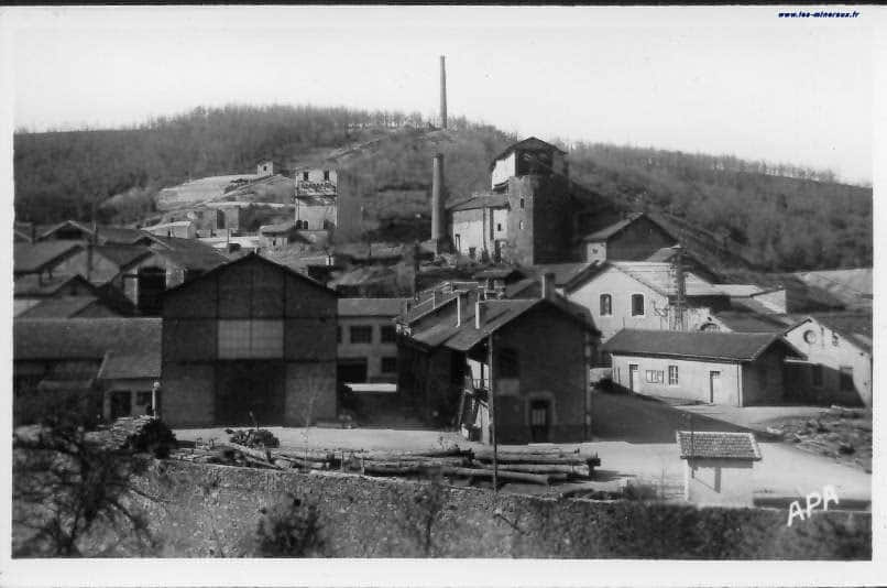 """Carte Postale Ancienne (CPA) : """"Mine de Lafenasse (Peyrebrune), près de Réalmont""""."""