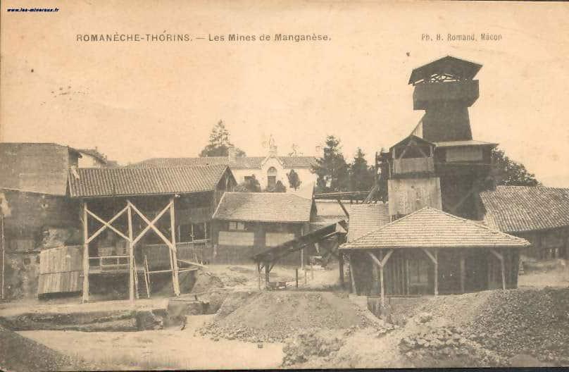 """Carte Postale Ancienne (CPA) """"Romanèche-Thorins, les mines de manganèse""""."""