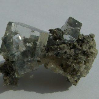 Superbe fluorine incolore et gemme de Montroc (Tarn).