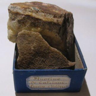 Fluorine, Lucery, Nièvre (minéral du Morvan).
