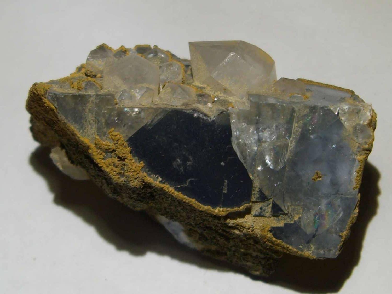 Fluorine bleue et quartz de Montroc ou Mont-Roc (Tarn, France)