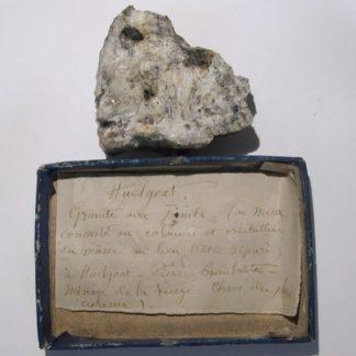 Granite avec pinite, Huelgoat, Finistère.