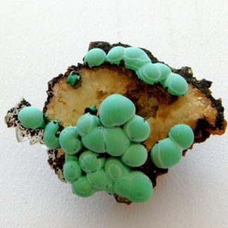 Concrétions de malachite, Bouche-Payrol à Brusque (Aveyron).