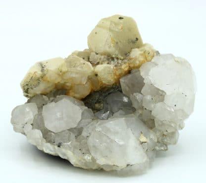 Calcite sur quartz de la mine de Peyrebrune (Tarn)