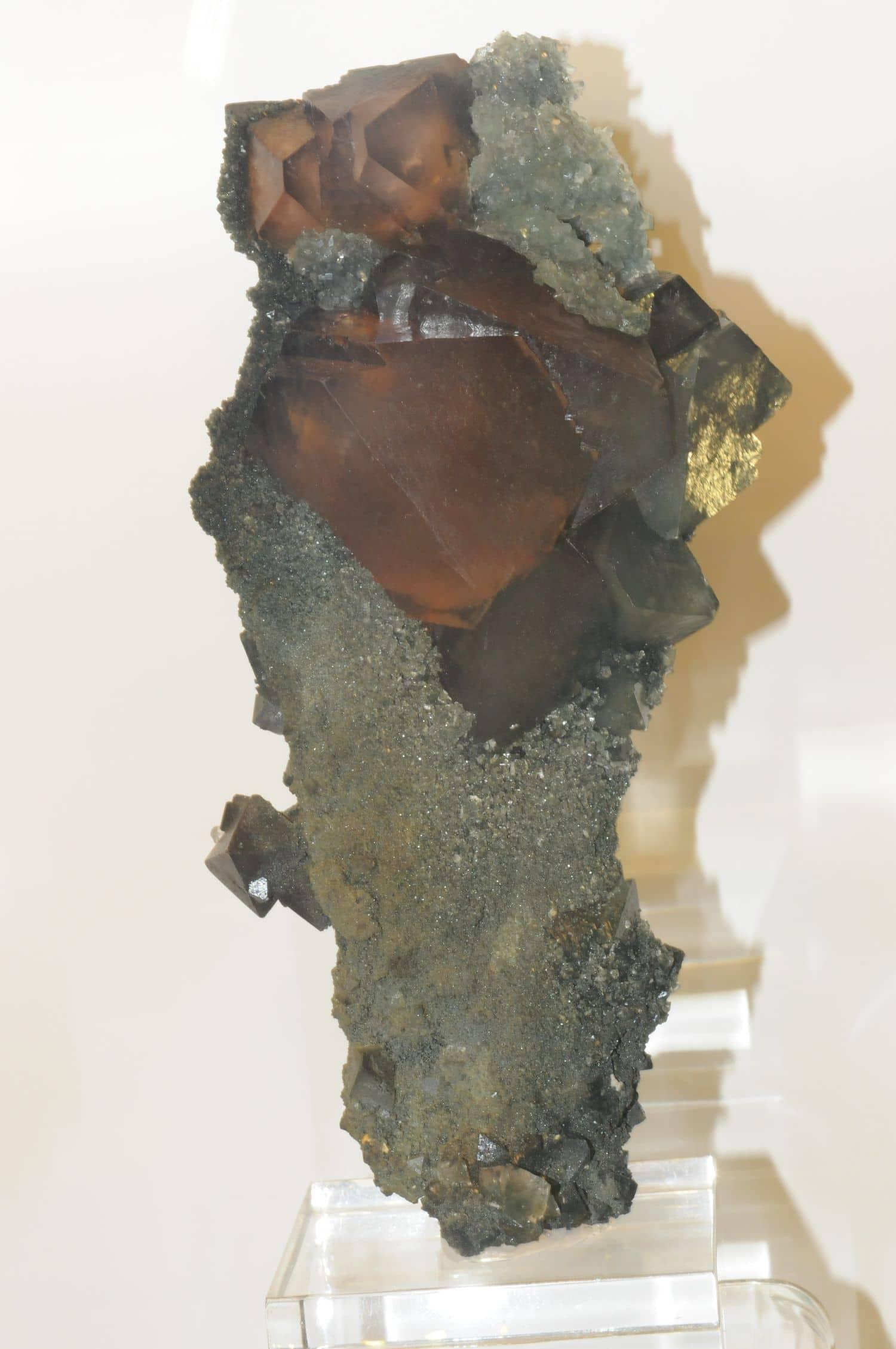 Fluorine et Apophyllite du Gothard (Suisse).