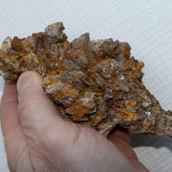 Cérusite, Mine du Rossignol, Chaillac, Indre.