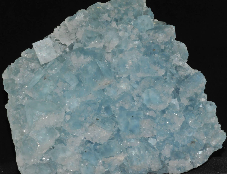 Fluorine bleue de la mine du Burc au Burg (Tarn).