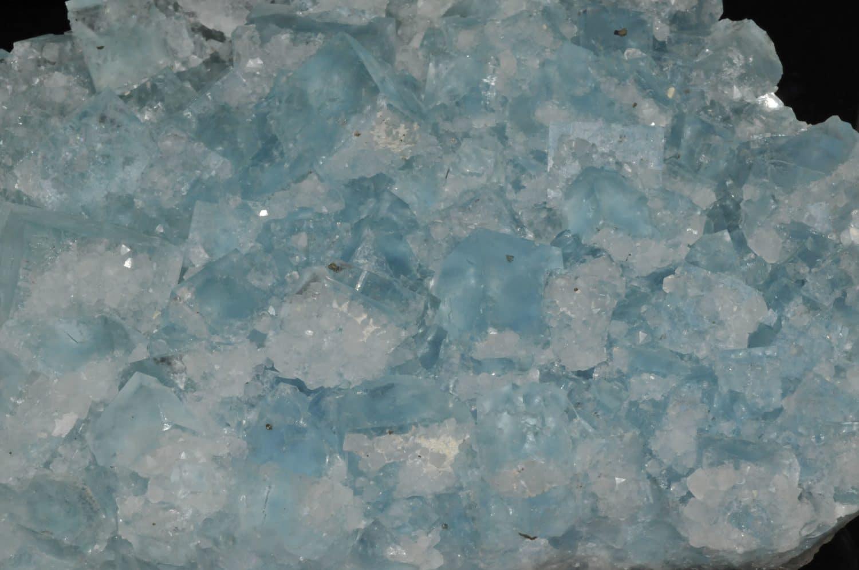 Cristaux de fluorite bleue de la mine du Burc au Burg (Tarn).