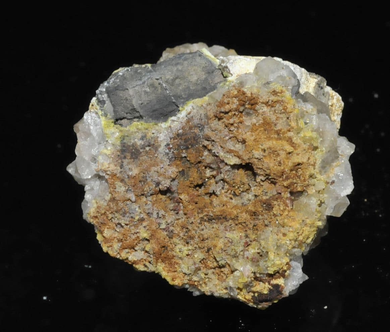 Galène avec quartz, pyromorphite et Lead hydroxyapatite de l'Argentolle (Morvan).