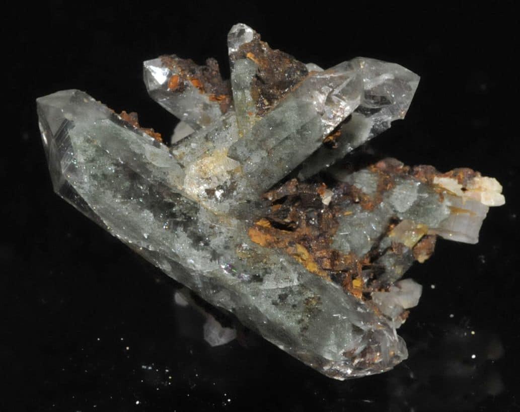 Cristaux de quartz fantôme des Rochers des Enclaves dans le Beaufortain en Savoie.