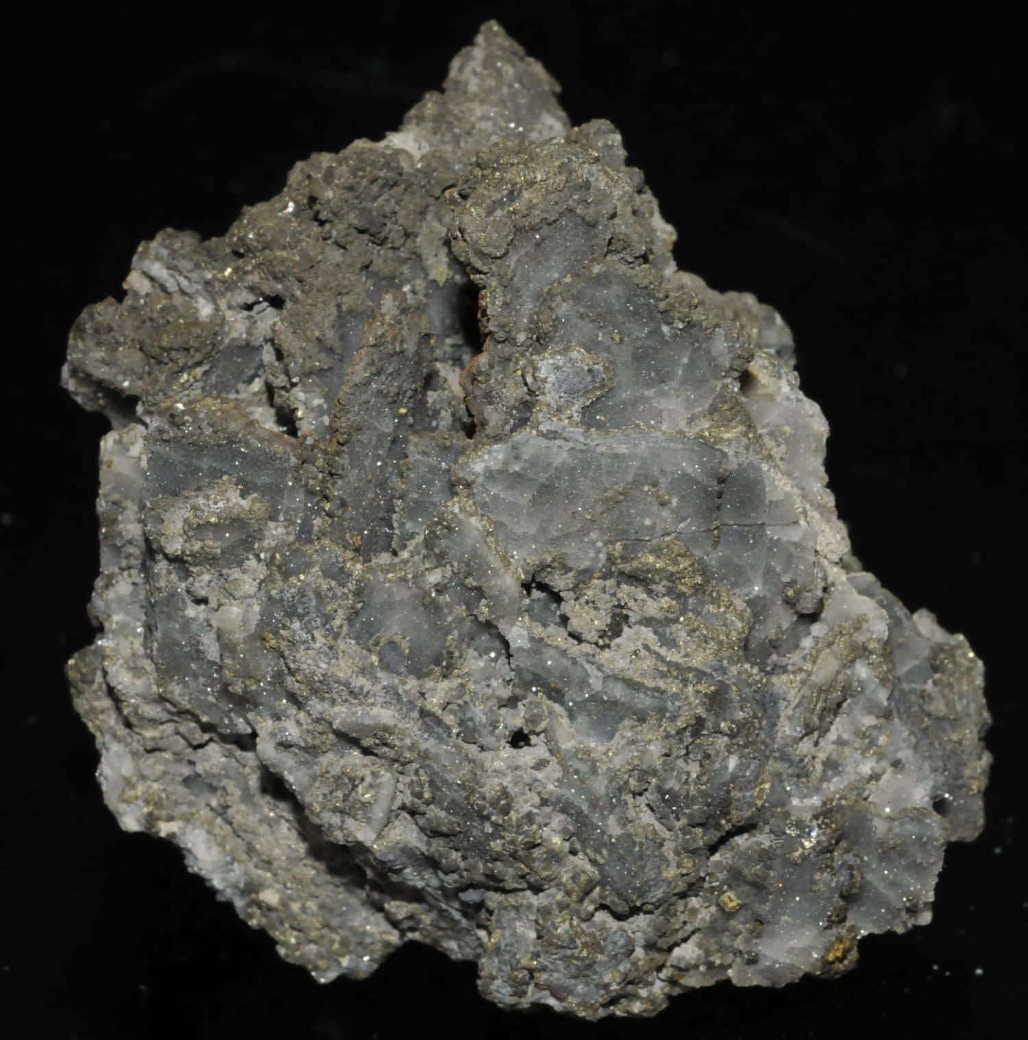 Quartz barré, galène et pyrite de la mine de Pontgibaud (Puy-de-Dôme).