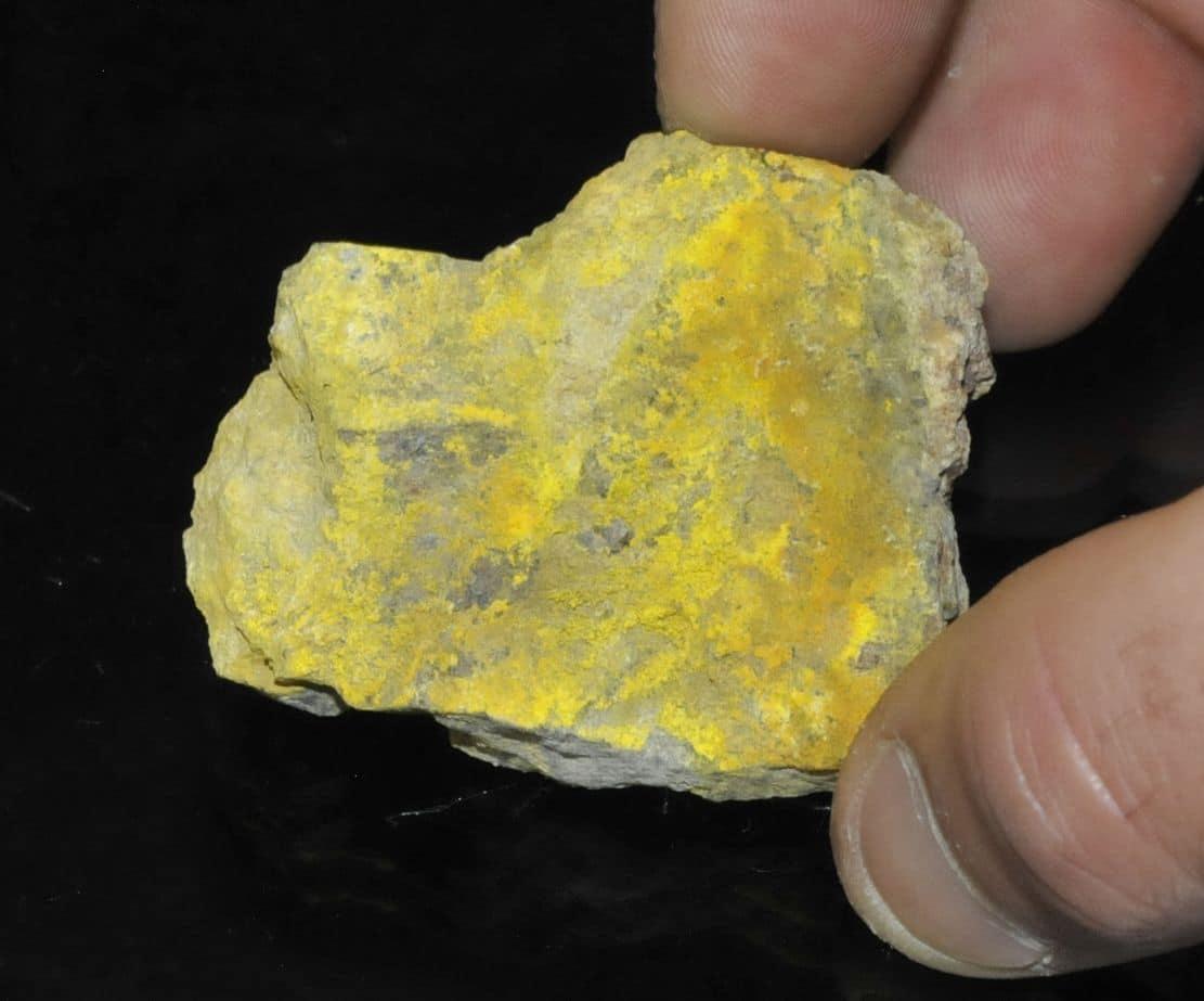 Zippéite et uranopilite de Margnac en Haute-Vienne (Limousin).
