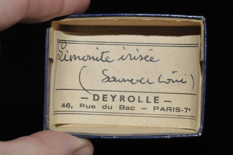 Limonite irisée de Saône et Loire (ex Deyrolle).